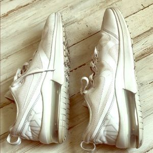 Mens White Nike Airmax size 10